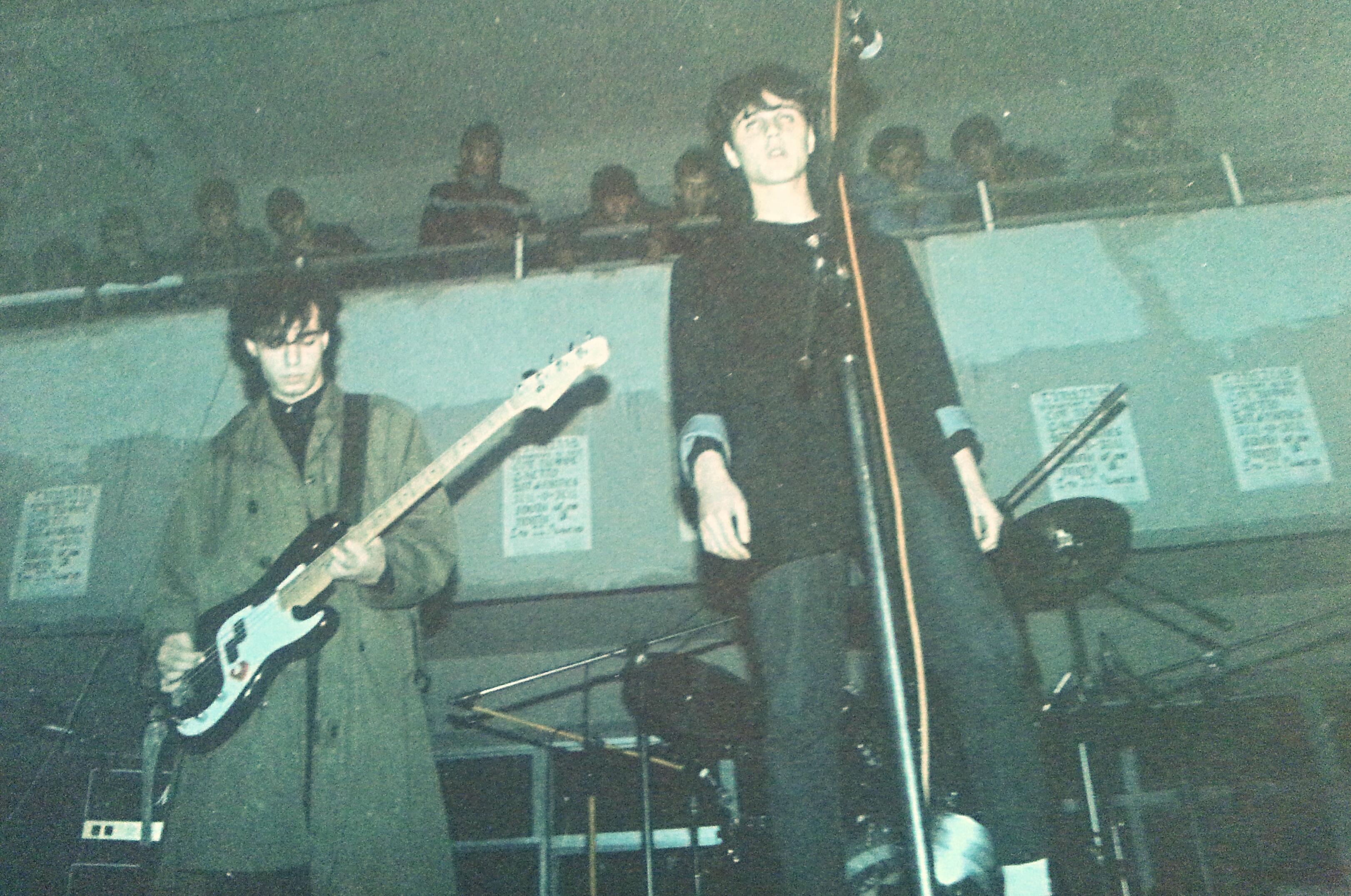 Γκράβα με South of No North, Μάρτης 1984.