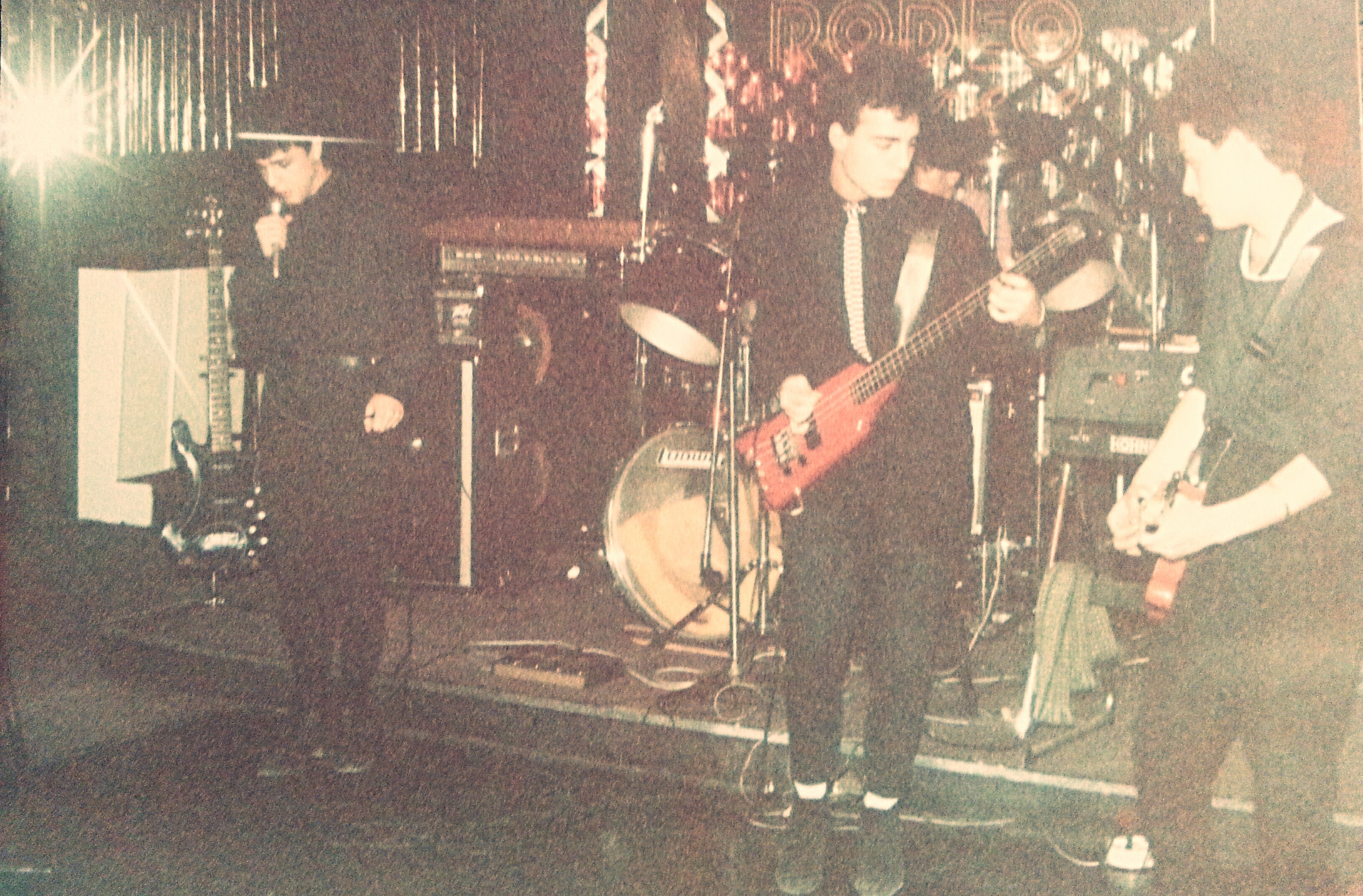 South Of No North Live στο «Rodeo» 1985, Πλατεία Βικτωρίας.