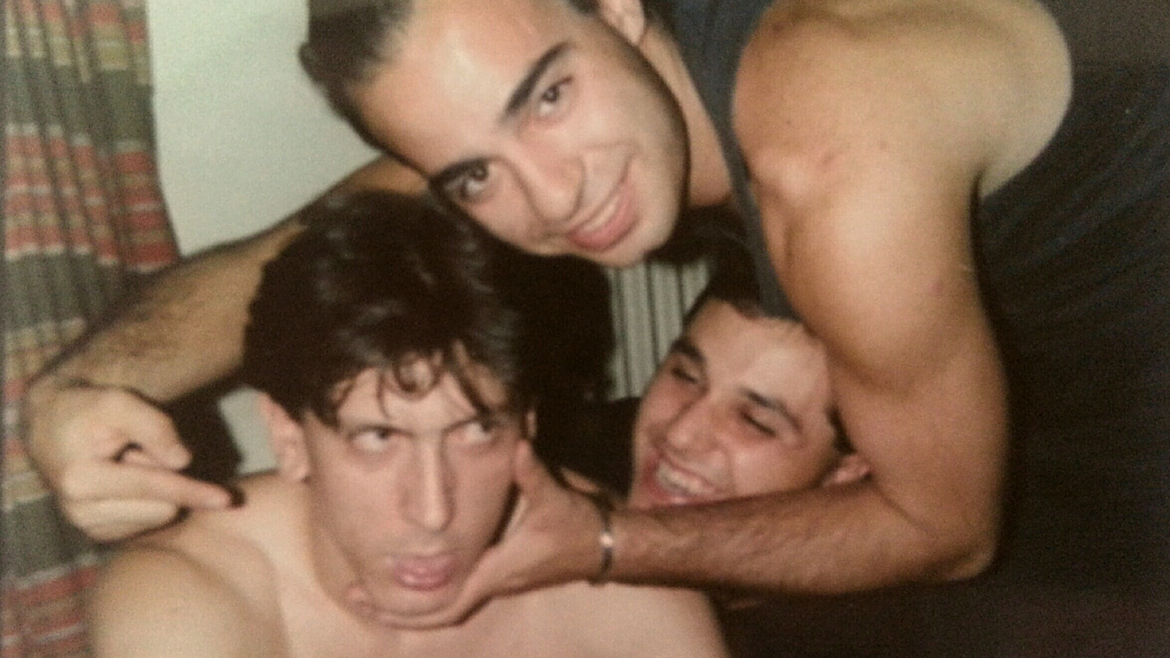Από το live στην Πρέβεζα, καλοκαίρι 1988, στο δωμάτιο του ξενοδοχείου που μέναμε.