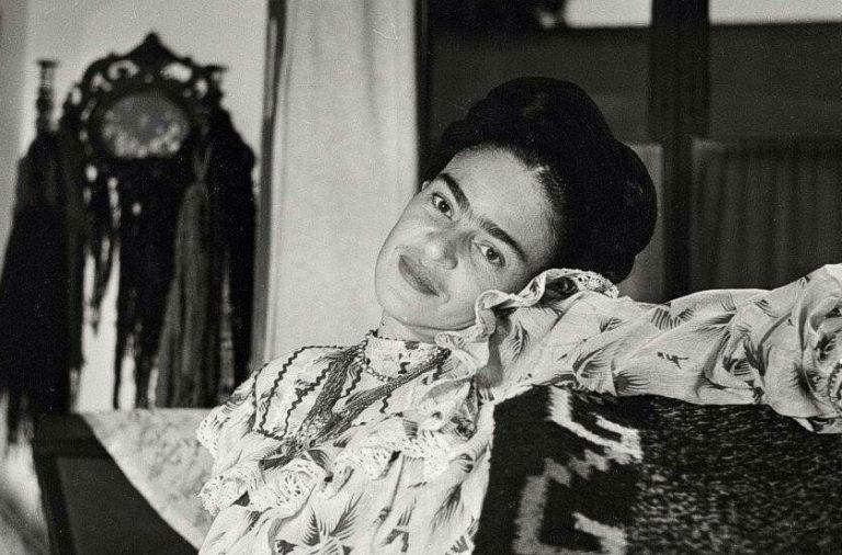 Φρίντα Κάλο (1909-1954). Η ζωή μιας υπέροχης γυναίκας μέσα απο σπάνιες φωτογραφίες