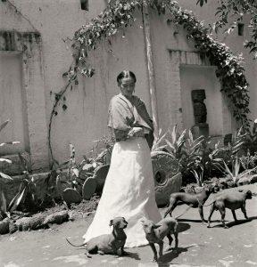 la-vida-de-frida-khalo-en-100-fotografias-viii